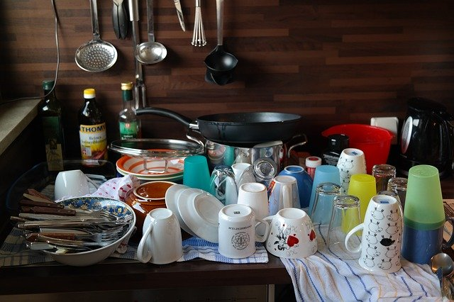 odkládání mytí nádobí